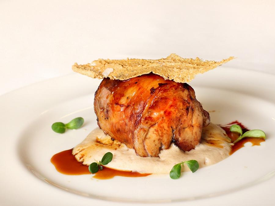 Ternasco de Aragón deshuesado con gachas de avena | Restaurante Aragonia
