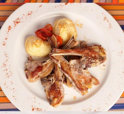 costillas de Ternasco de Aragón y patatas fritas