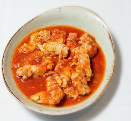 Manitas de Ternasco guisadas con tomate