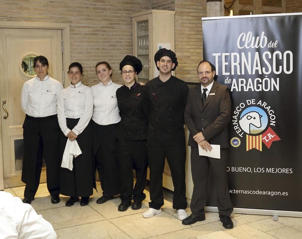 Equipo de cocina y sala del restaurante Aragonia Palafox