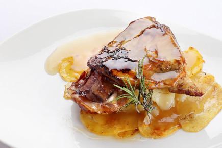 Carnes de cordero - Ternasco de Aragón con patatas panaderas