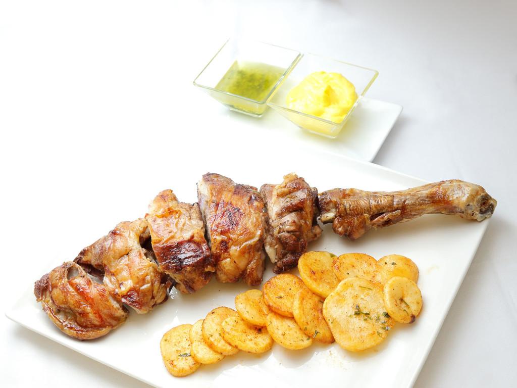 Asado de paletilla de Ternasco de Aragón - Restaurante Torre del Salvador