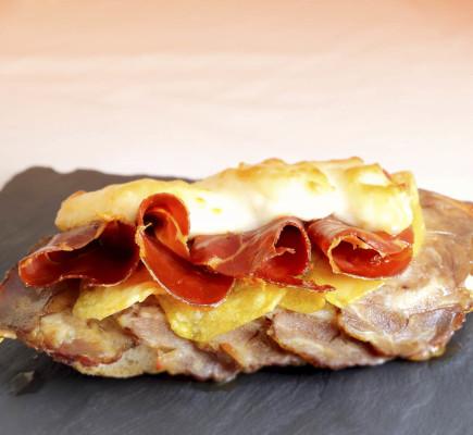Tosta de Ternasco de Aragón y Jamón de Teruel - El Rinconcico