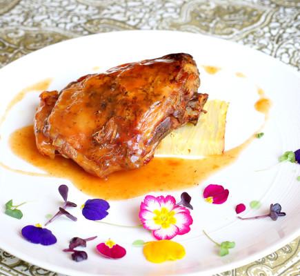 Paletilla de Ternasco de Aragón asada - Restaurante El Foro