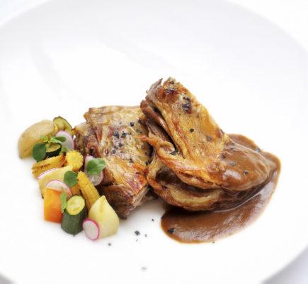 Ternasco de Aragón con salsa perigueaux | La Fondica