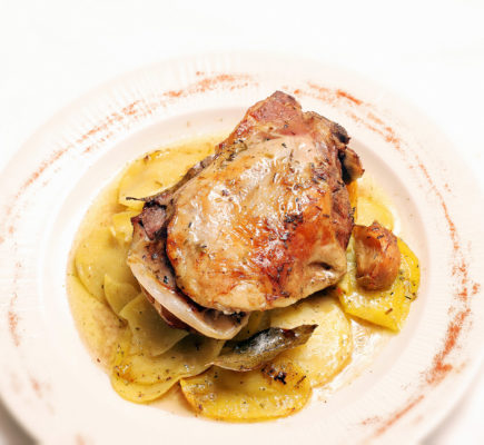 Paletilla de Ternasco de Aragón asada a baja temperatura - Restaurante Café 1900