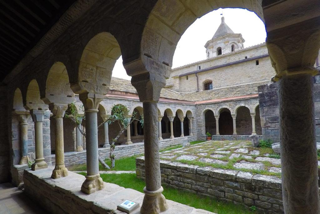 Hacia el Somontano, tierra de vinos - Catedral de Roda de Isábena