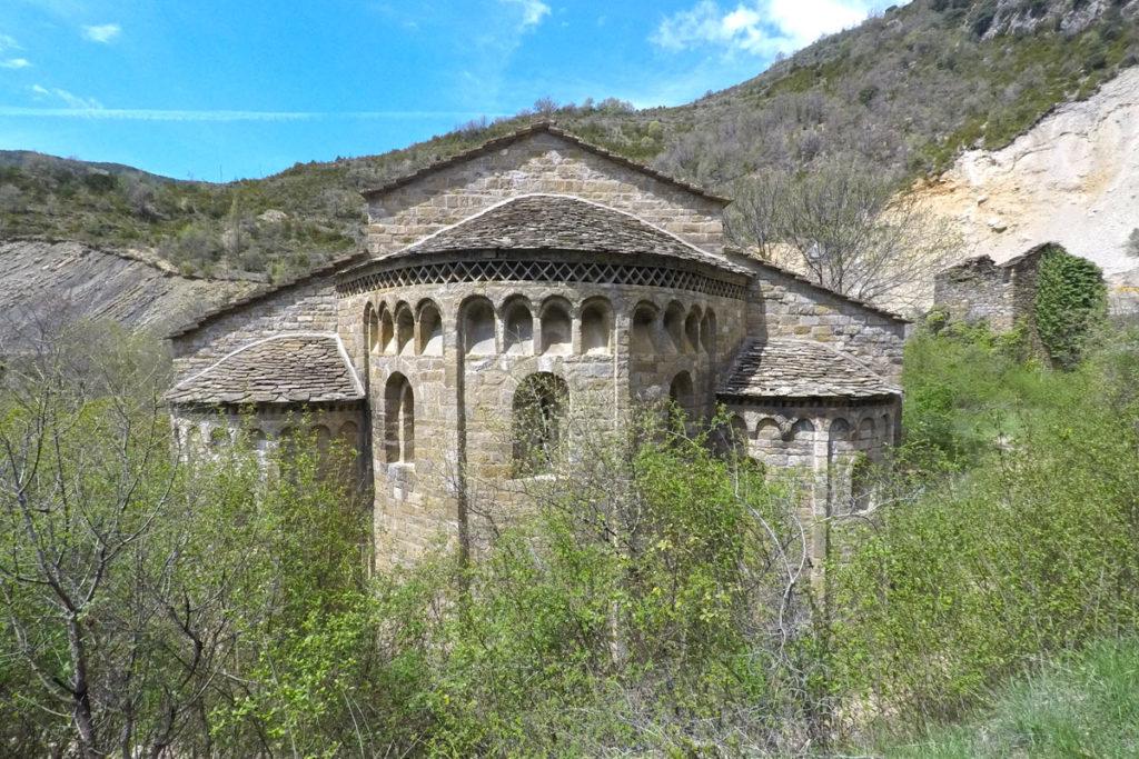 Hacia el Somontano, tierra de vinos - Monastorio de Obarra