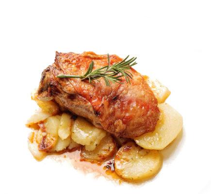 Paletilla de Ternasco de Aragón con patatas panaderas | Mesón de la Dolores