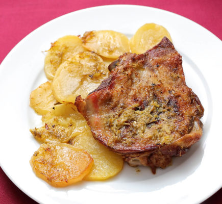 Paletilla de Ternasco de Aragón con patatas panaderas | El Fogón de Ateca